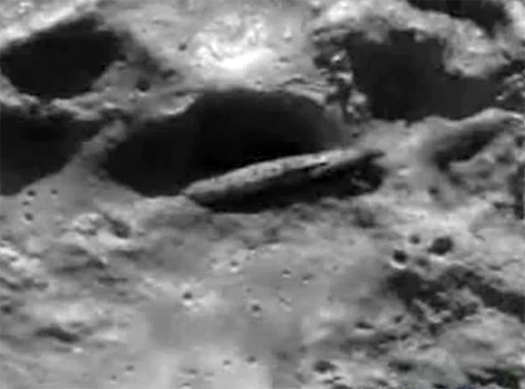Risultati immagini per ALIEN SPACE CRAFT FOUND ON THE MOON