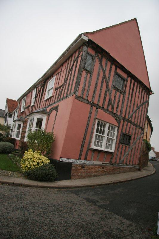 England-leaning house