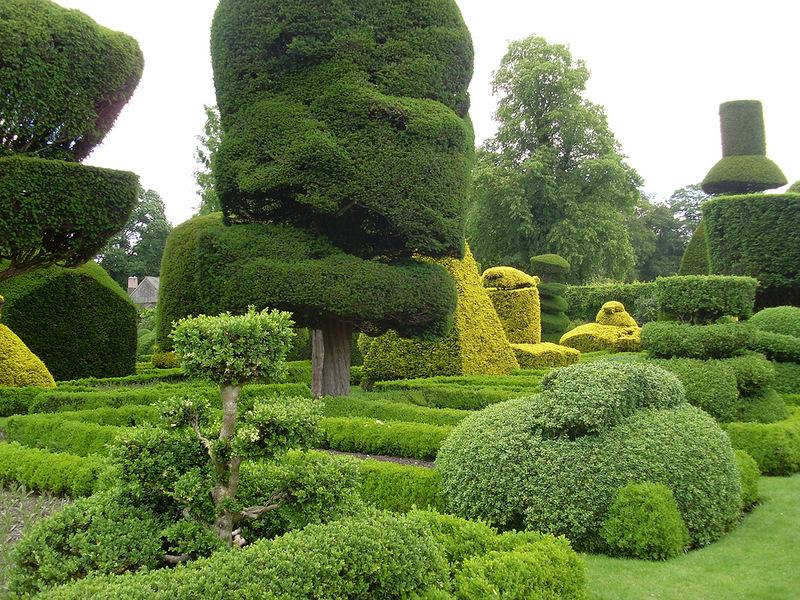 Levens Hall Garden2