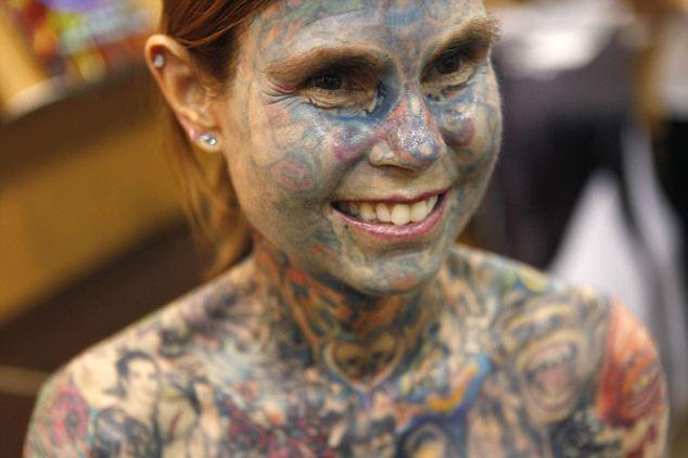 The world's most Wonderful tattooed woman flaunts her body art 1