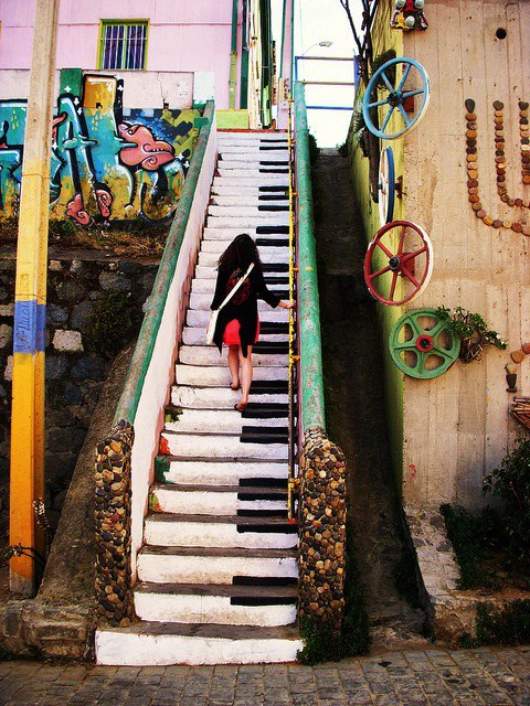 piano stairs chile