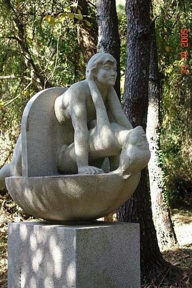 statue10