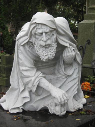 statue28