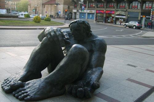 statue34