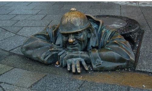 statue35