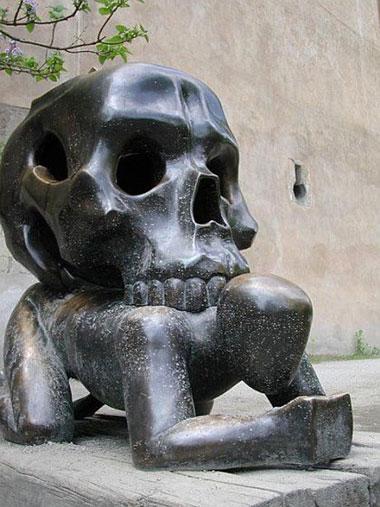 statue49