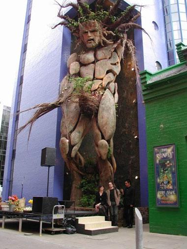 statue64