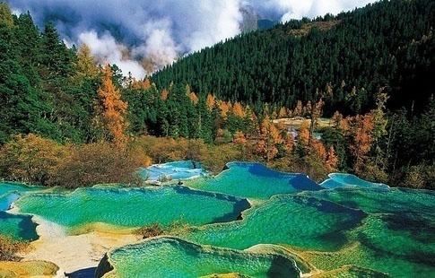 Jiuzaigou Valley in China.2