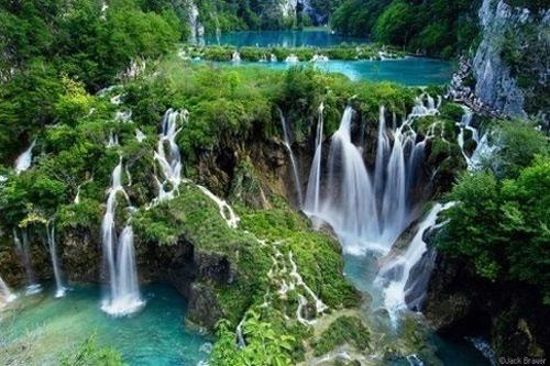 Plitvice-Lakes-in-Croatia.