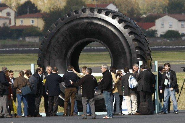 biggest tire2